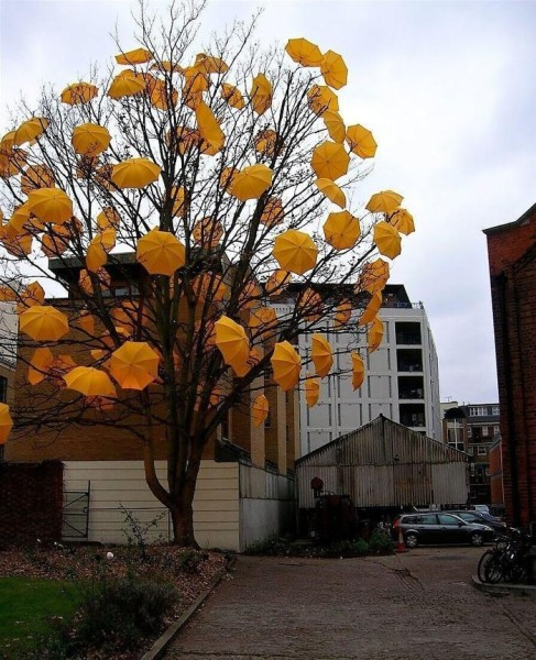 Sam Spenser's installation Bloom for the Wapping Project, 2007. Image courtesy of the London Evening Standard.