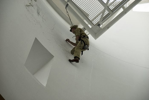 Matthew Barney, Drawing Restraint 14, 2006 performance at the San Francisco Museum of Modern Art. Image courtesy of SFMoMA.